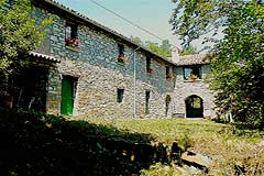 Character Stone House for sale in Piemonte - Beautiful restored country home with panoramic views over the local area