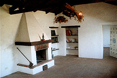 Character Stone House for sale in Piemonte - Fireplace