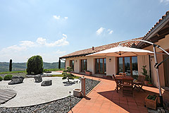 Luxury House with Swimming pool for sale In Piemonte - Outside living area