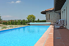 Luxury House with Swimming pool for sale In Piemonte - Spacious swimming pool