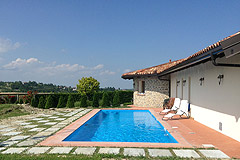 Luxury House with Swimming pool for sale In Piemonte - Pool area