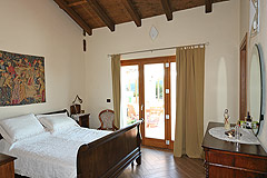 Luxury House with Swimming pool for sale In Piemonte - Master Bedroom