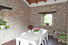 Italian farmhouse for sale in the UNESCO area of Piemonte - Terrace area