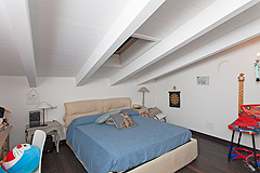 Italian farmhouse for sale in the UNESCO area of Piemonte - Bedroom