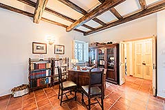 Luxury Country Home for sale in the Piemonte region of Italy - Dining area