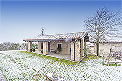 Luxury Country Home for sale in the Piemonte region of Italy - Independent building
