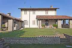 Luxury Country Home for sale in the Piemonte region of Italy - Front view of the property