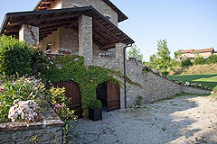 Luxury Country Home for sale in the Piemonte region of Italy - Garage area