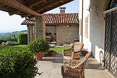 Luxury Country Home for sale in the Piemonte region of Italy - Covered terrace area