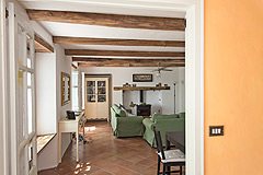 Traditional Country Farmhouse for sale in Piemonte - Spacious interior