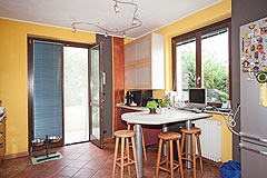 Architect designed Italian villa for sale in Piemonte - Kitchen area
