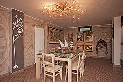 Architect designed Italian villa for sale in Piemonte - Dining area