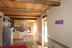Beautiful Country House & Swimming pool with vineyard views in Piemonte. - Kitchen/dining area