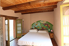 Beautiful Country House & Swimming pool with vineyard views in Piemonte. - Bedroom