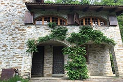 Country Cottage for sale in Piemonte - The property is built from local stone