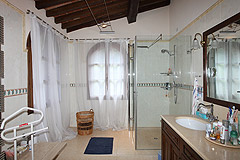 Elegante casa con piscina in Piemonte - Bathroom