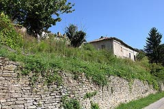 Rustic Italian farmhouse for sale in Piemonte - The property enjoys an elevated position
