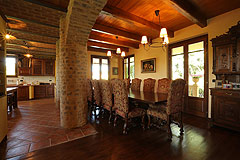 Prestigious Italian villa with Moscato vineyards  for sale in Piedmont. - Dining area featuring exposed stone