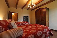 Prestigious Italian villa with Moscato vineyards  for sale in Piedmont. - Living area