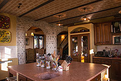 Prestigious Italian villa with Moscato vineyards  for sale in Piedmont. - Vaulted ceilings are a feature of the property