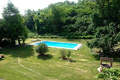 Cascina vicino ad Asti in Piemonte - Spacious swimming pool area