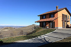 Country Home for sale in Piemonte - Country house in stunning location minutes from Alba