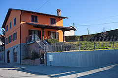 Country Home for sale in Piemonte - Side view of the villa