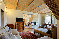 Luxury Country Home for sale in Piemonte close to the Barolo towns - Living area