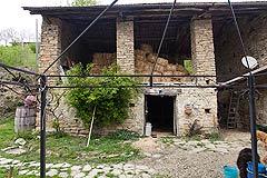 Original Stein Baurrnhaus Verkauf im Sud Piemont - Hayloft area