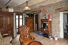 Original Stein Baurrnhaus Verkauf im Sud Piemont - Living area