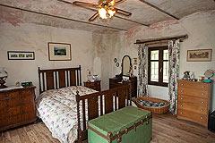 Original Stein Baurrnhaus Verkauf im Sud Piemont - Bedroom