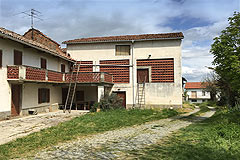 Country Wine Estate for sale in Piemonte - Traditional L shape