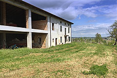 Country Wine Estate for sale in Piemonte - Land with the properties