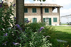 Luxury Country Home for sale in the Langhe region of Piemonte - Front view of the property