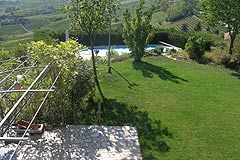 Luxury Country Home for sale in the Langhe region of Piemonte - Spacious garden area