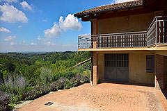 Italian farmhouse close to a golf course for sale in Piemonte - Panoramic views from the property