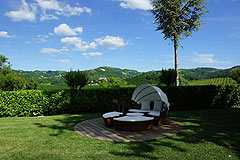 Boutique Hotel with Moscato and Barbera Vineyards in UNESCO area - Outside area for guests