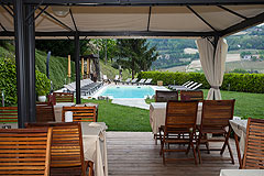 Boutique Hotel with Moscato and Barbera Vineyards in UNESCO area - Outside eating area