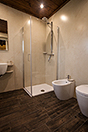 Boutique Hotel with Moscato and Barbera Vineyards in UNESCO area - Guest bathroom