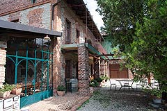 Hotel e Ristorante in vendita in Piemonte - The property features old stone and brick