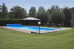 Bellissima proprietà equestre in vendita in Piemonte - Swimming pool area