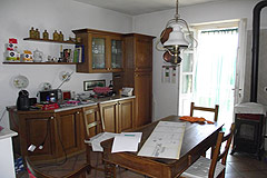 Country House with Swimming Pool for sale in Piemonte - Kitchen area