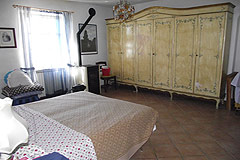 Country House with Swimming Pool for sale in Piemonte - Bedroom