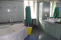Country House with Swimming Pool for sale in Piemonte - Bathroom