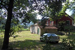 Country house for sale in Piemonte - Small Detached house a tranquil position with charming countryside views. Excellent Price.