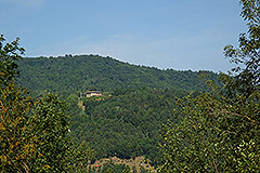 Teil restauriertes Stein Bauernhaus zum Verkauf im Piemont - Panoramic position
