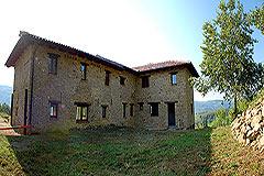 Teil restauriertes Stein Bauernhaus zum Verkauf im Piemont - Rear view