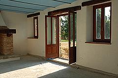 Teil restauriertes Stein Bauernhaus zum Verkauf im Piemont - Living area