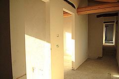 Teil restauriertes Stein Bauernhaus zum Verkauf im Piemont - Interior