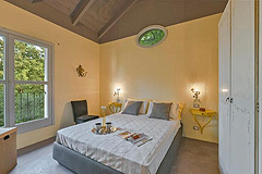 Luxury Property with Pool for sale in Piemonte - Bedroom